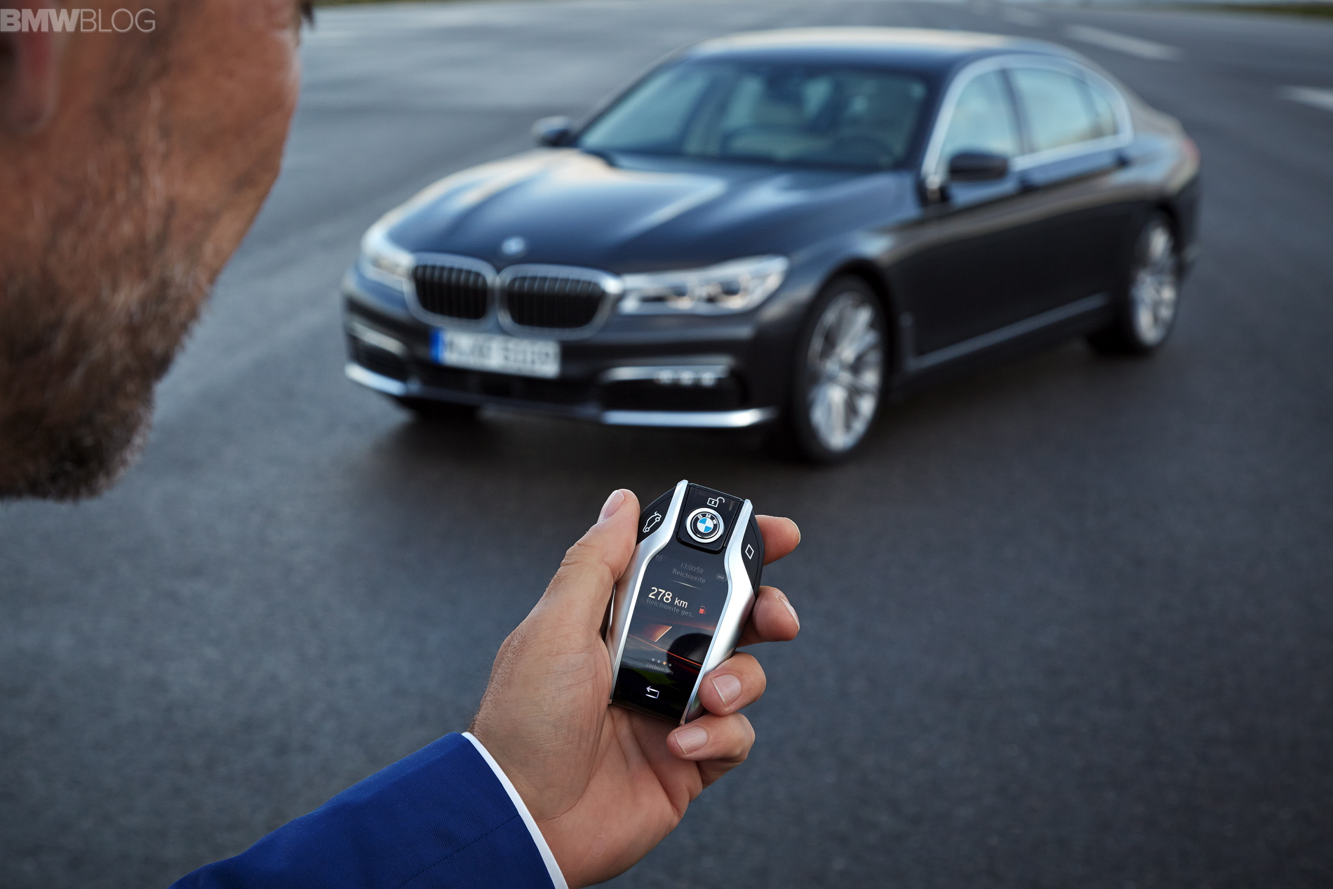 The new key fob for BMW 7 Series activates Remote Control
