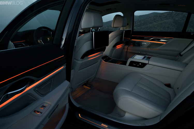 2016 Bmw 7 Series Cabin Technology And Luxury
