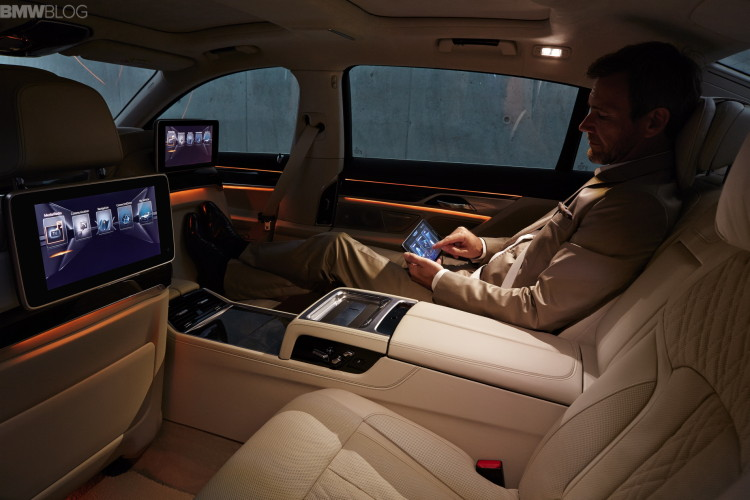 2016-bmw-7-series-interior-images-1900x1200-08