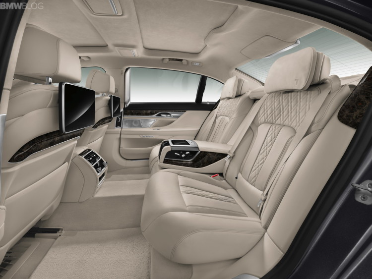 2016-bmw-7-series-interior-images-1900x1200-10