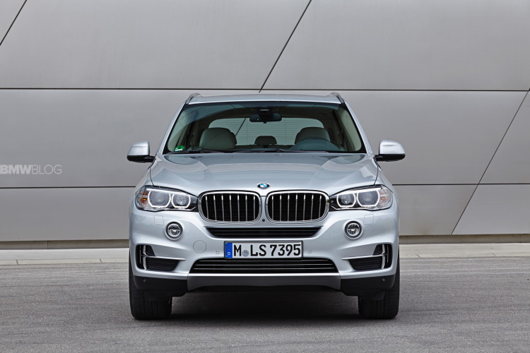 BMW X5 eDrive plug in hybrid 1900x1200 75 750x500