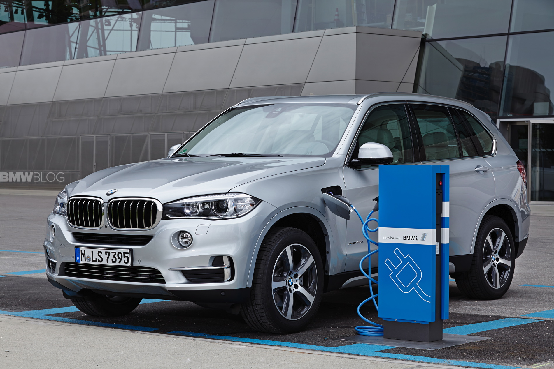 BMW X5 eDrive plug in hybrid 1900x1200 81