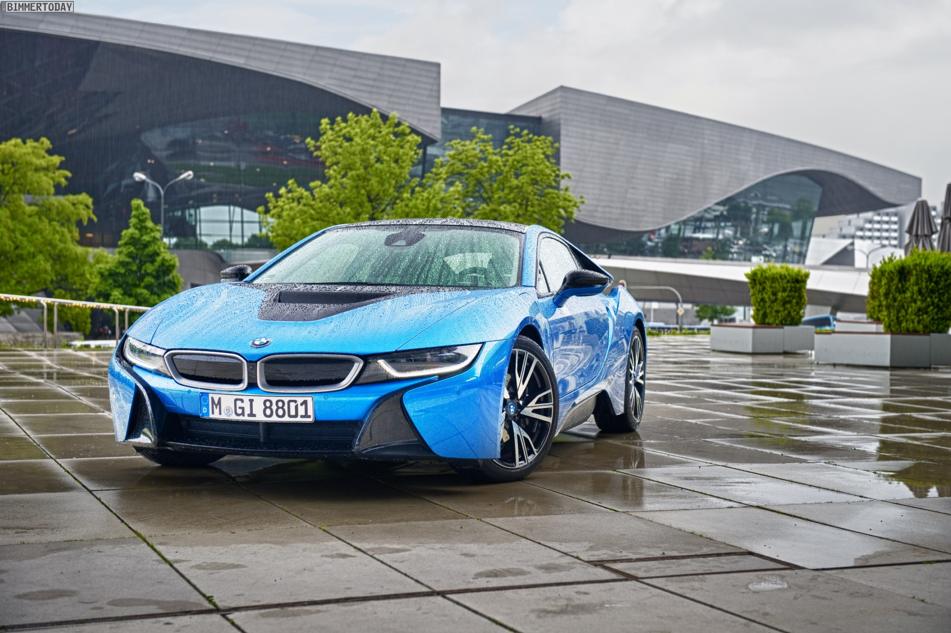 Photoshoot Bmw I8 In Protonic Blue
