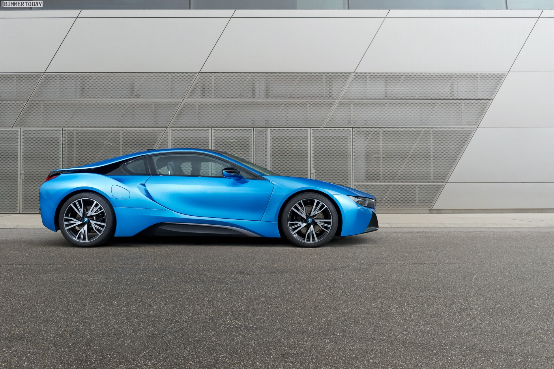 Should Bmw Make A Smaller I8