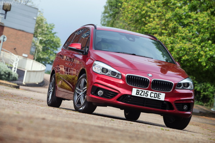 bmw 2 series gran tourer images 1900x1200 13 750x500