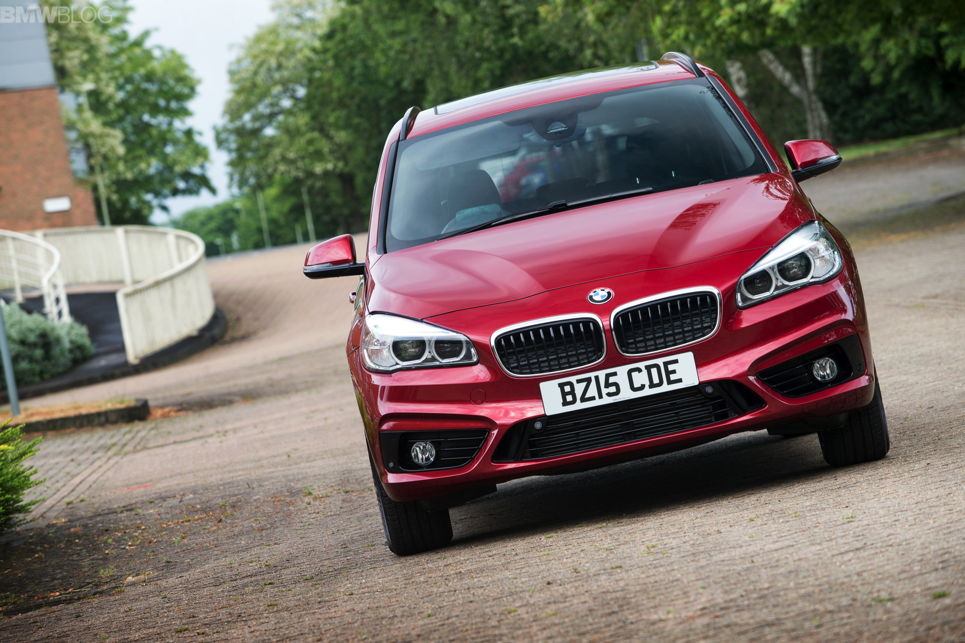 bmw 2 series gran tourer images 1900x1200 14