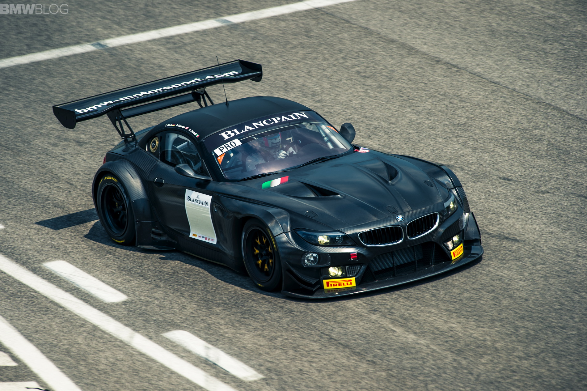 Lots Of Bmw Z4 Gt3 Racing Cars Go Up For Sale