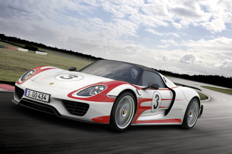 2015 Porsche 918 Spyder Weissach Package 750x500