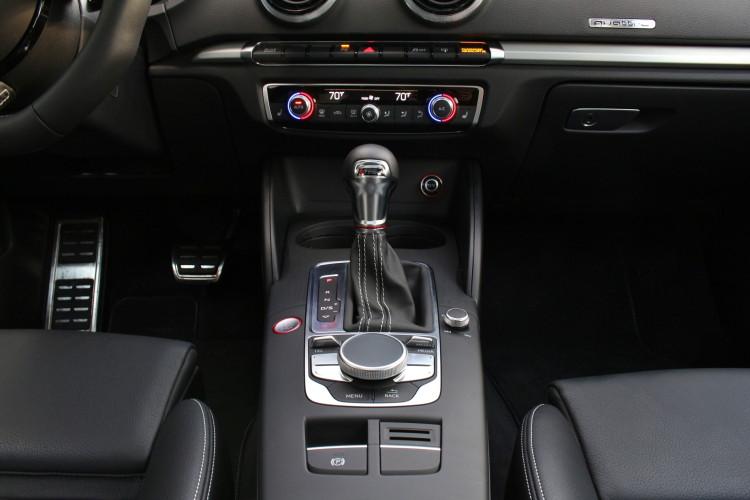 2015-audi-s3-test-drive-images-1900x1200-03