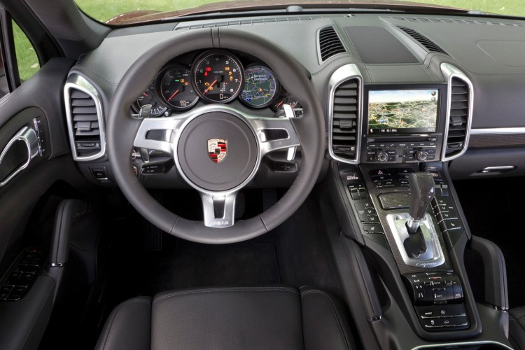 2015_Porsche_Cayenne_Diesel_4dr_SUV_AWD_30L_6cyl_Turbodiesel_8A_3932900