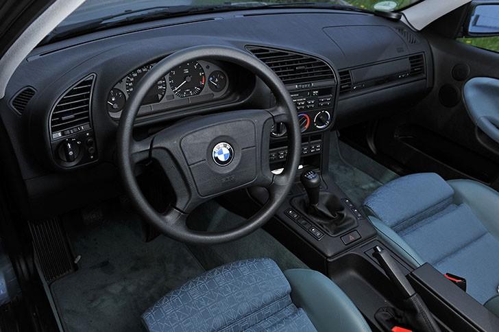 BMW-340i-F30-vs-BMW-323i-E36-17-728x484