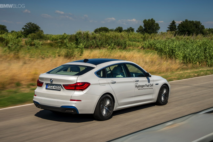 BMW 5 series gt hydrogen fuel cell images 11 750x499