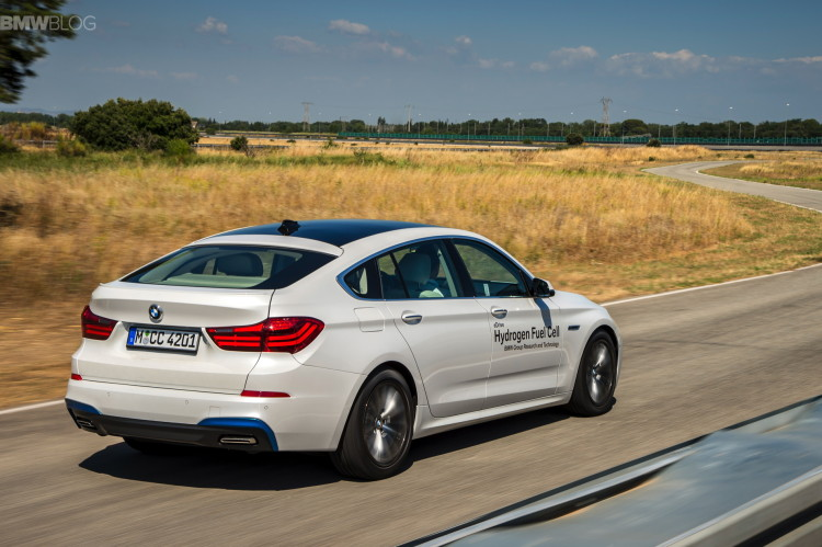 BMW 5 series gt hydrogen fuel cell images 13 750x499