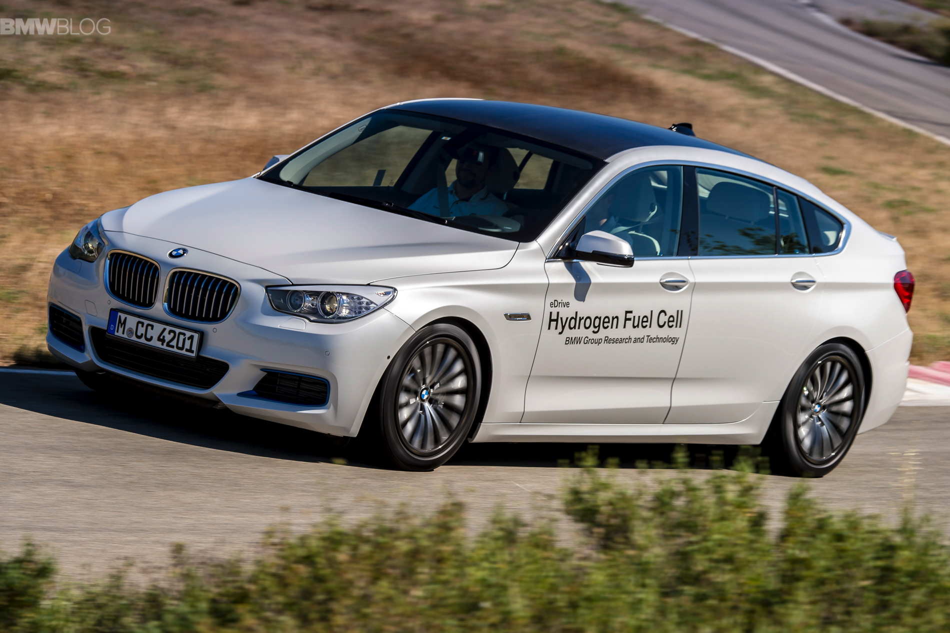 BMW 5 series gt hydrogen fuel cell images 24