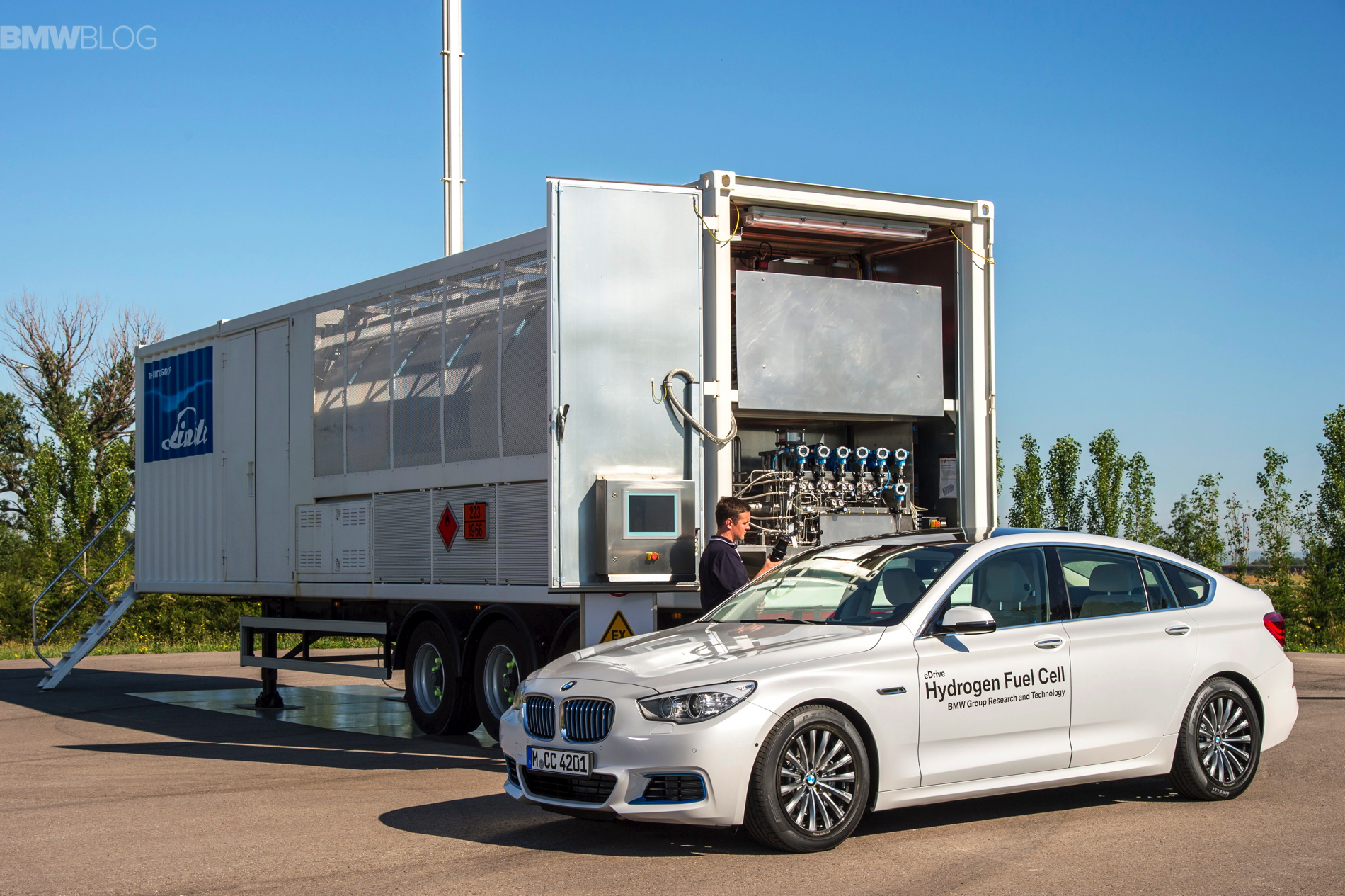 BMW 5 series gt hydrogen fuel cell images 27