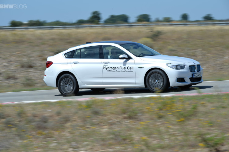 BMW 5 series gt hydrogen fuel cell images 35 750x499