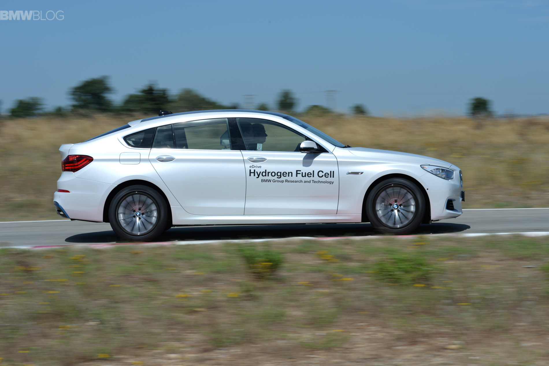 BMW 5 series gt hydrogen fuel cell images 36