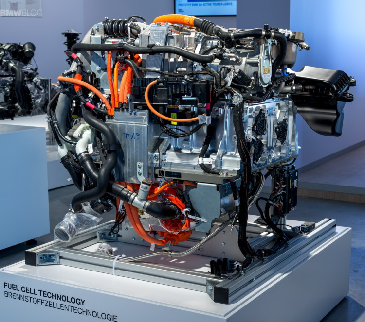 BMW hydrogen fuel cell technology images 06 750x663