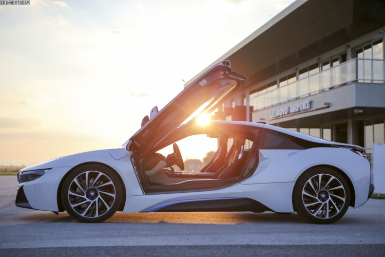 BMW i8 Wallpaper 05 750x500