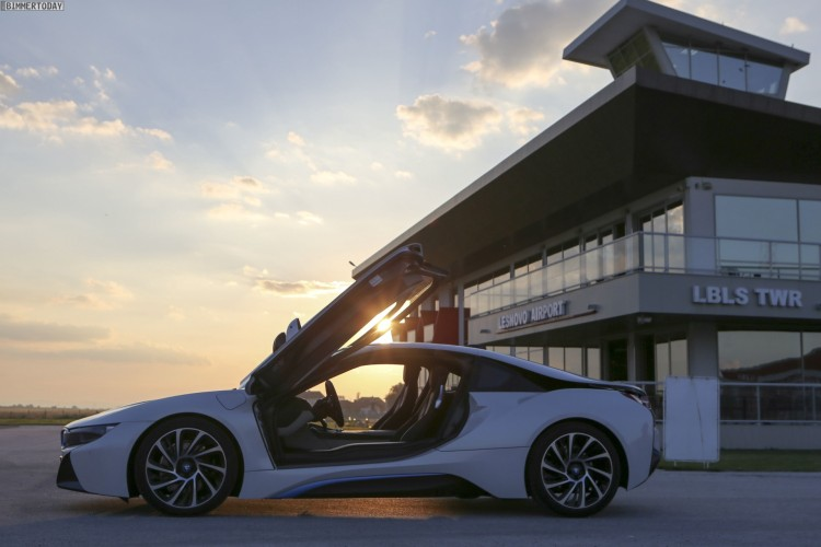 BMW-i8-Wallpaper-25