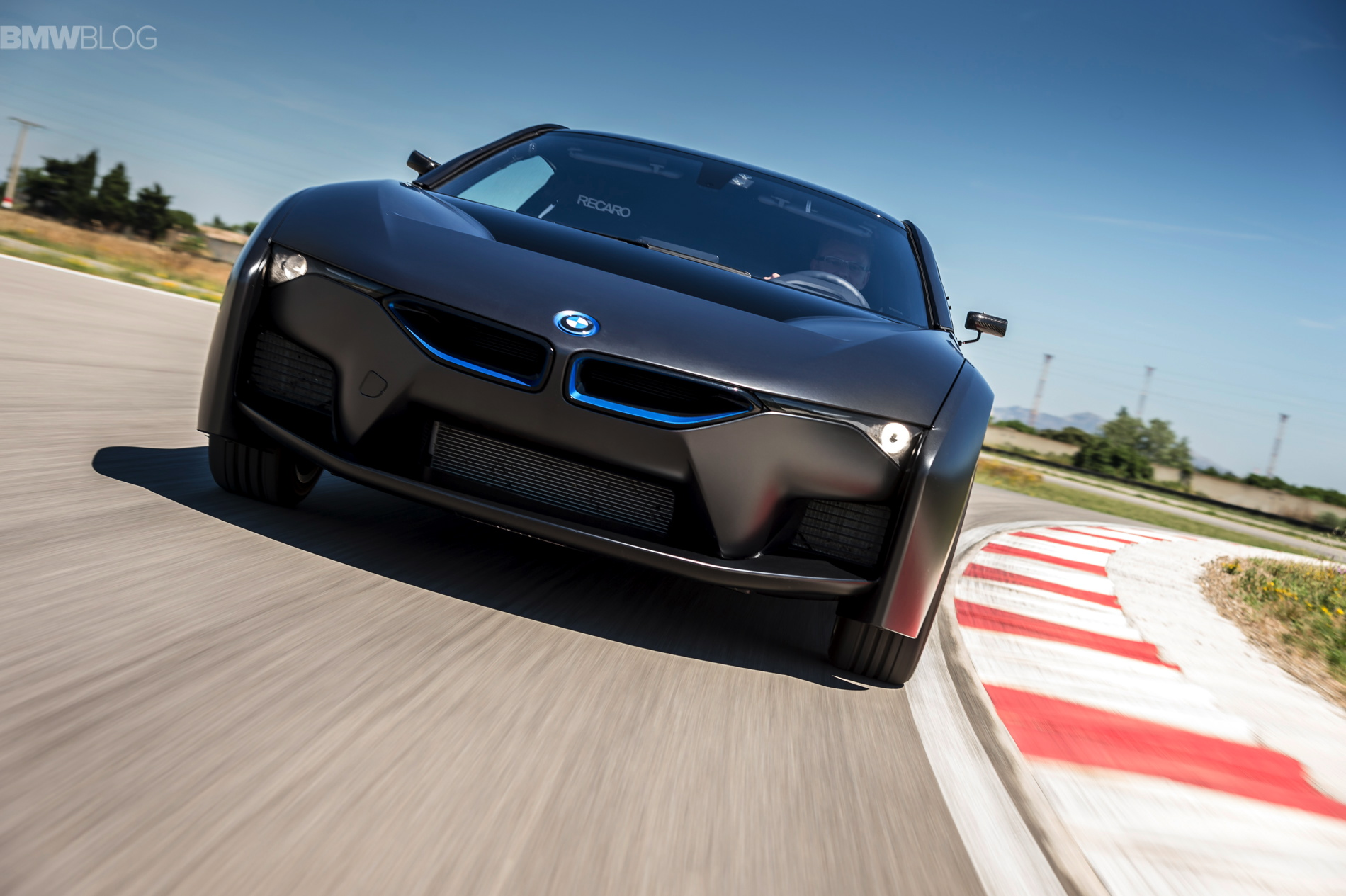 BMW i8 hydrogen fuel cell images 05