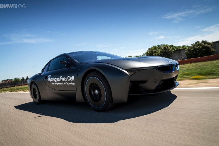 BMW-i8-hydrogen-fuel-cell--images-10