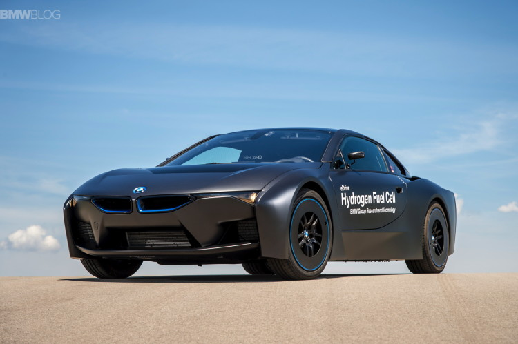 BMW i8 hydrogen fuel cell images 19 750x499