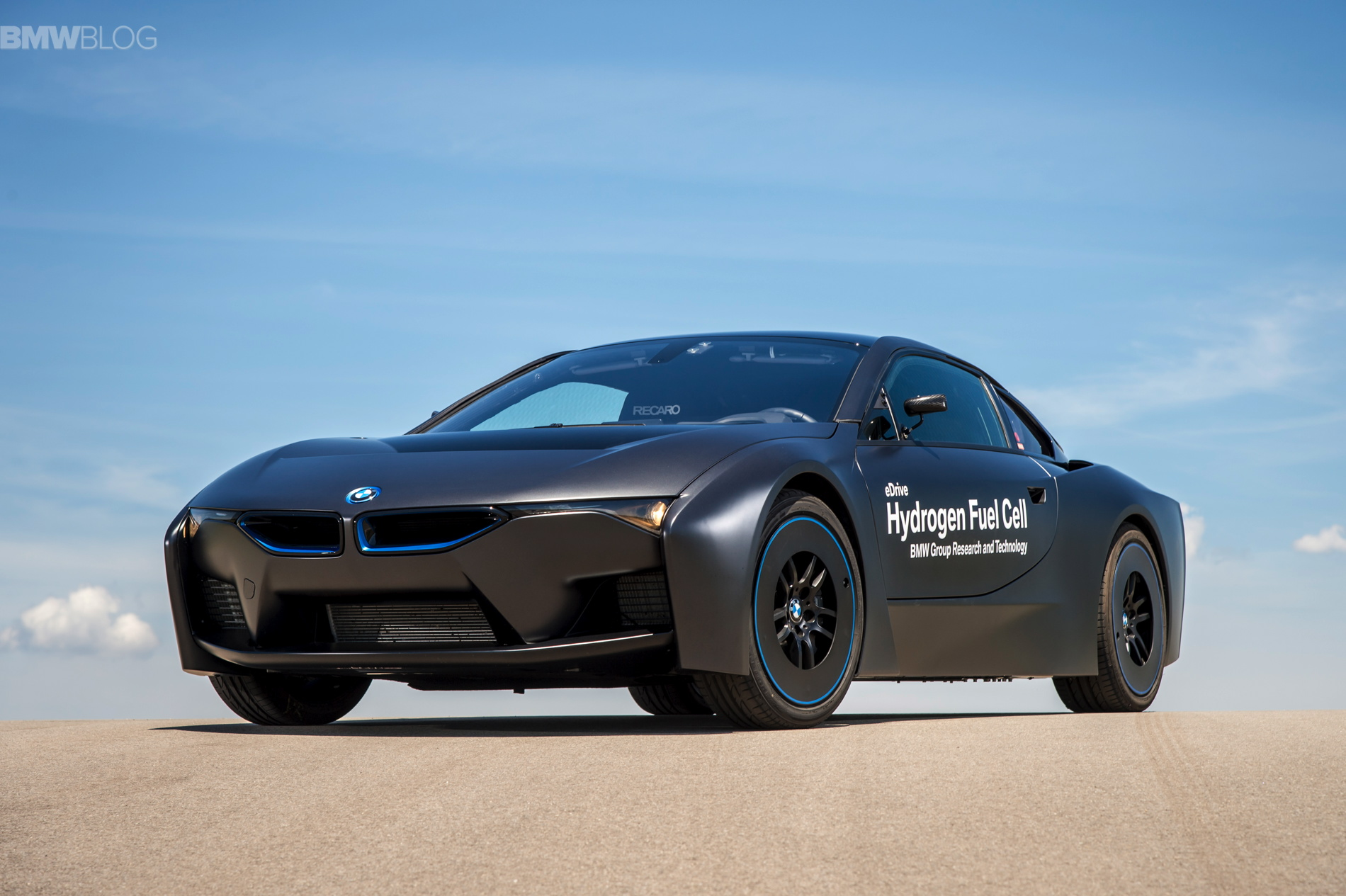 BMW i8 hydrogen fuel cell images 19