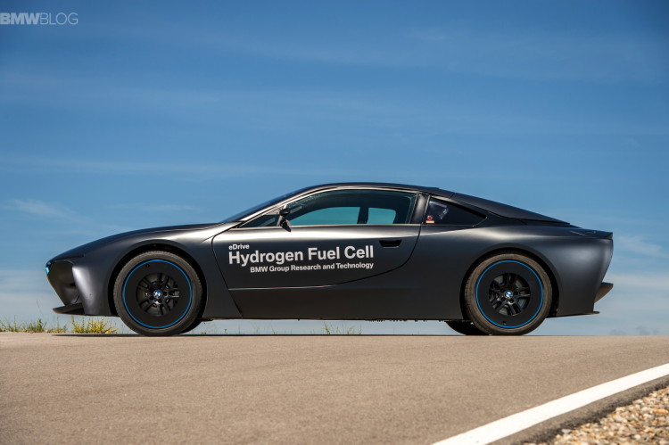 BMW i8 hydrogen fuel cell images 24 750x499