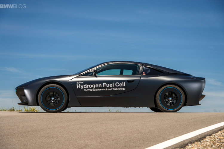 BMW i8 hydrogen fuel cell images 24 750x500