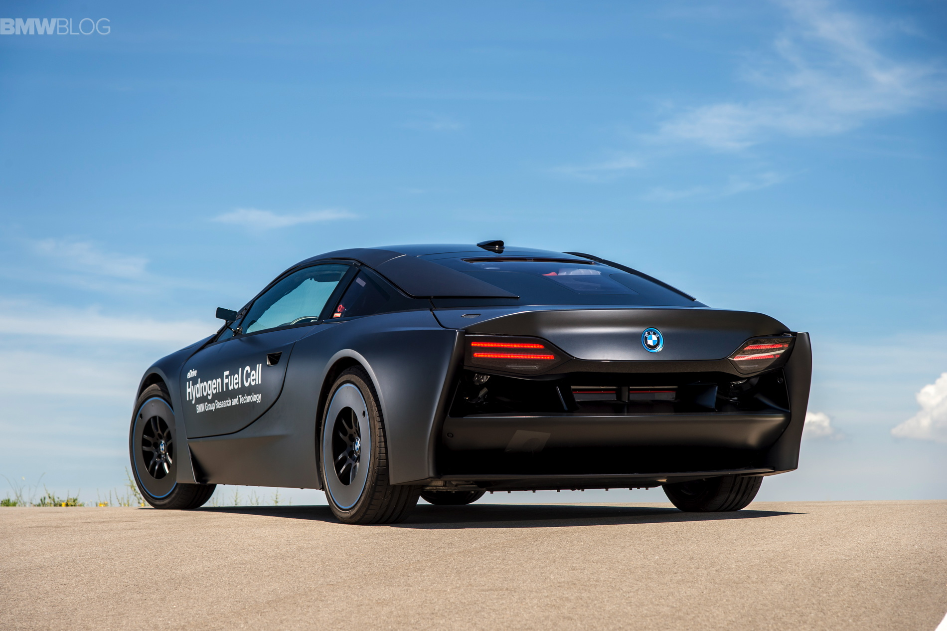 BMW i8 hydrogen fuel cell images 25