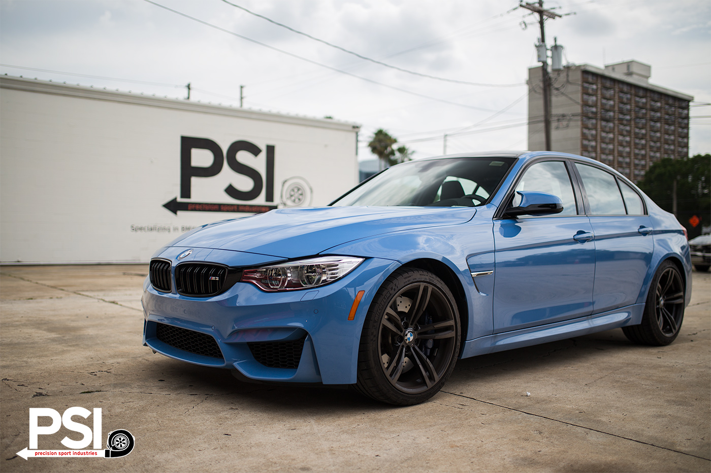 precision sport industries shows us a yas marina blue bmw. Black Bedroom Furniture Sets. Home Design Ideas
