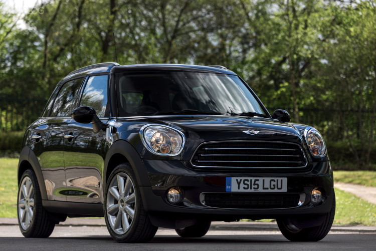 MINI Countryman Cooper D ALL4 Business 1900x1200 05 750x501