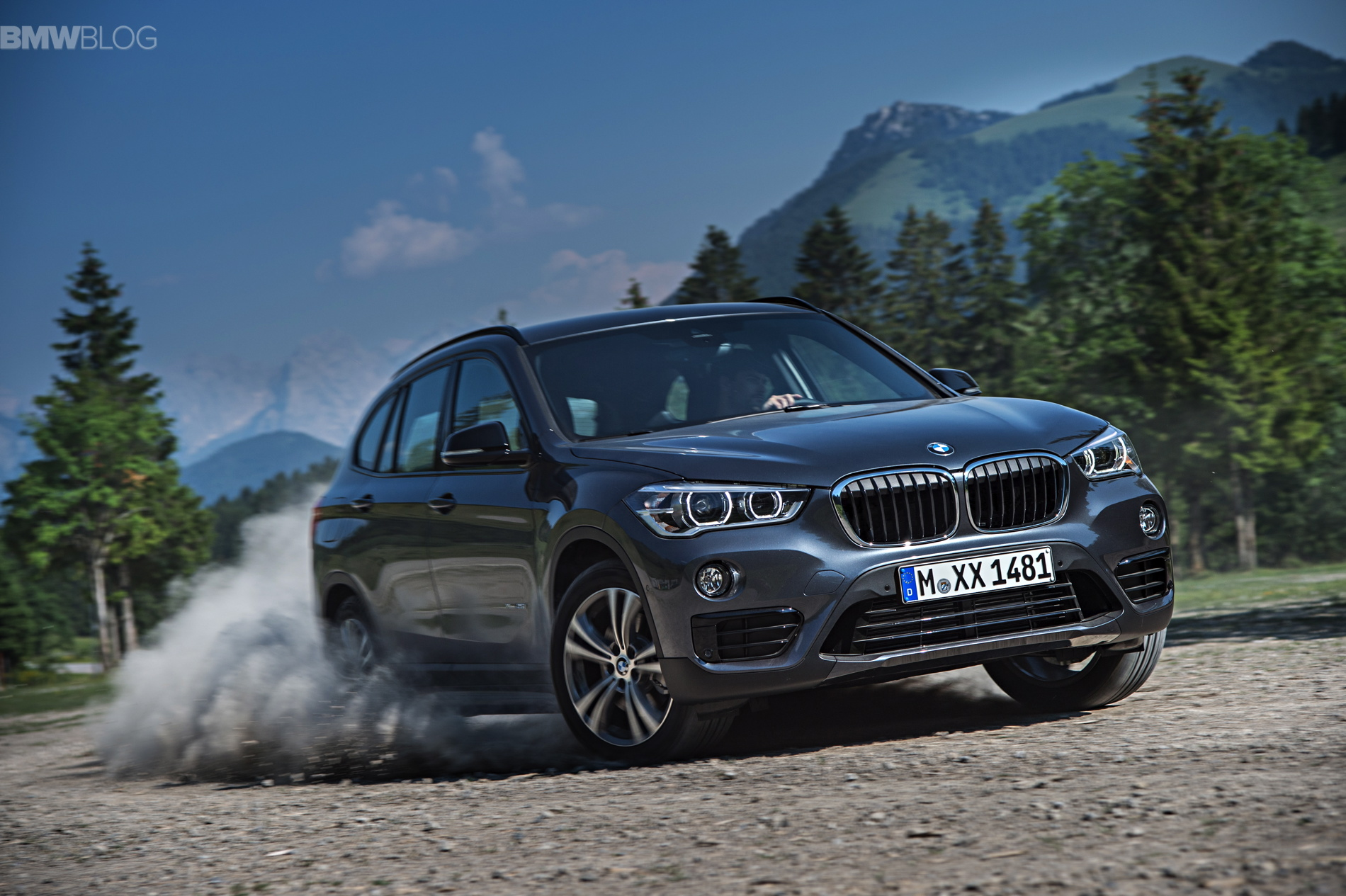 New BMW X1 exterior 1900x1200 images 14