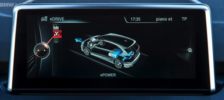bmw-2-series-active-tourer-plugin-hybrid-test-drive-1900x1200-23