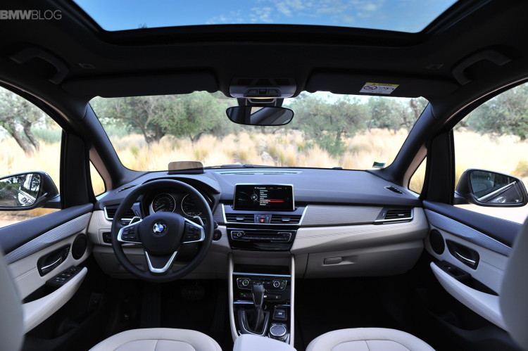 bmw-2-series-gran-tourer-220i-218d-220d-images-63