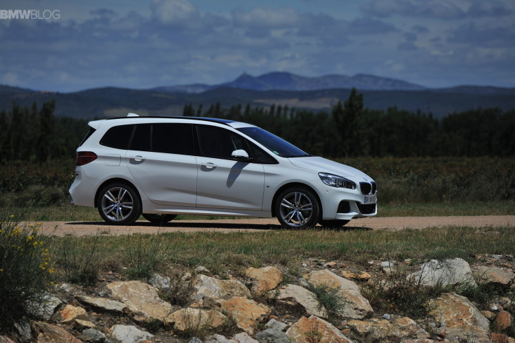 bmw 2 series gran tourer 220i 218d 220d images 88 750x499