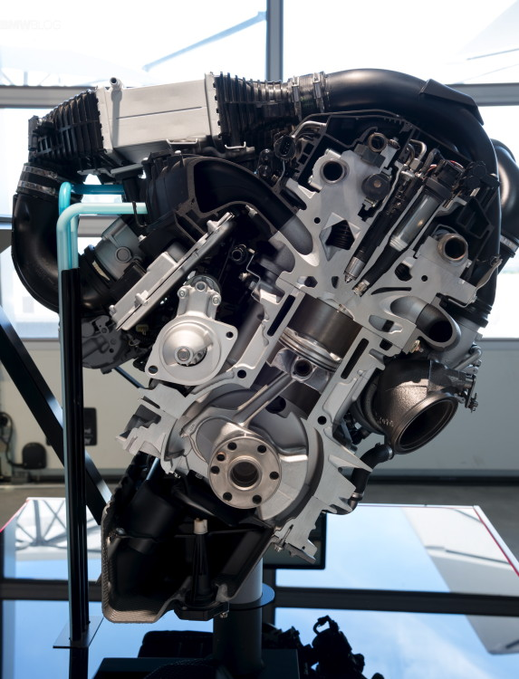 bmw direct water injection images 21 573x750