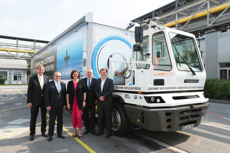 bmw electric truck munich 1900x1200 01 750x499