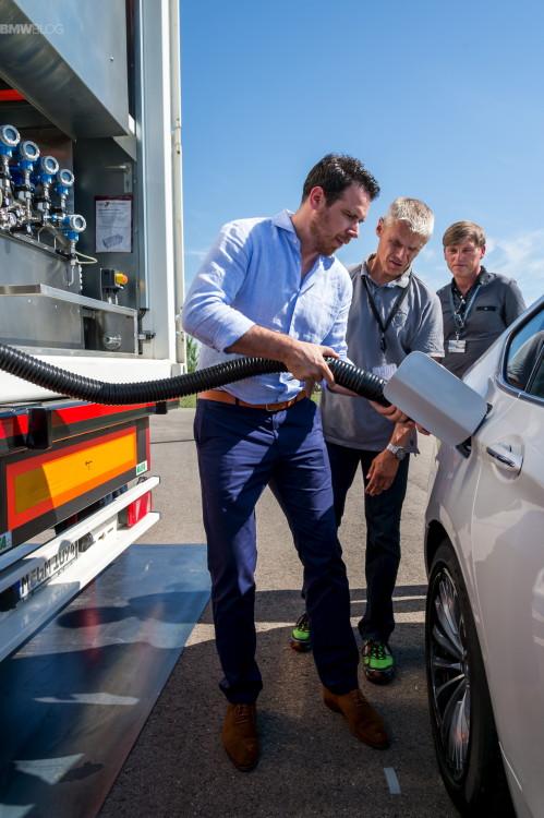 bmw hydrogen fuel cell prototype 1900x1200 01 499x750