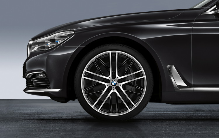 2016-bmw-7-series-accessories-images-01