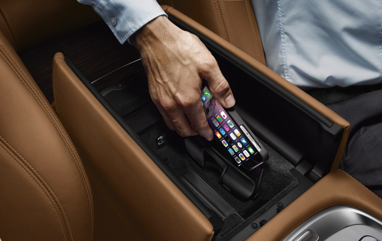2016-bmw-7-series-accessories-images-03