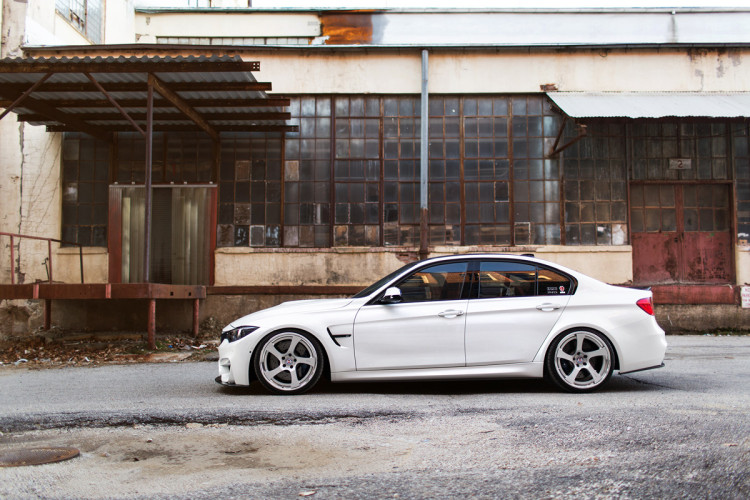 BMW M3 with HRE RS102 Wheels 4 750x500