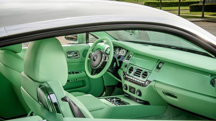 Rolls Royce Aequus Green 2 750x422