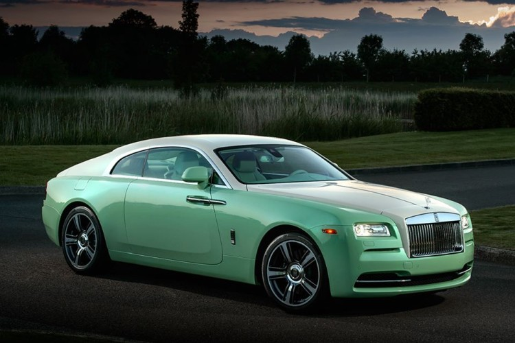 Rolls Royce Aequus Green 750x500