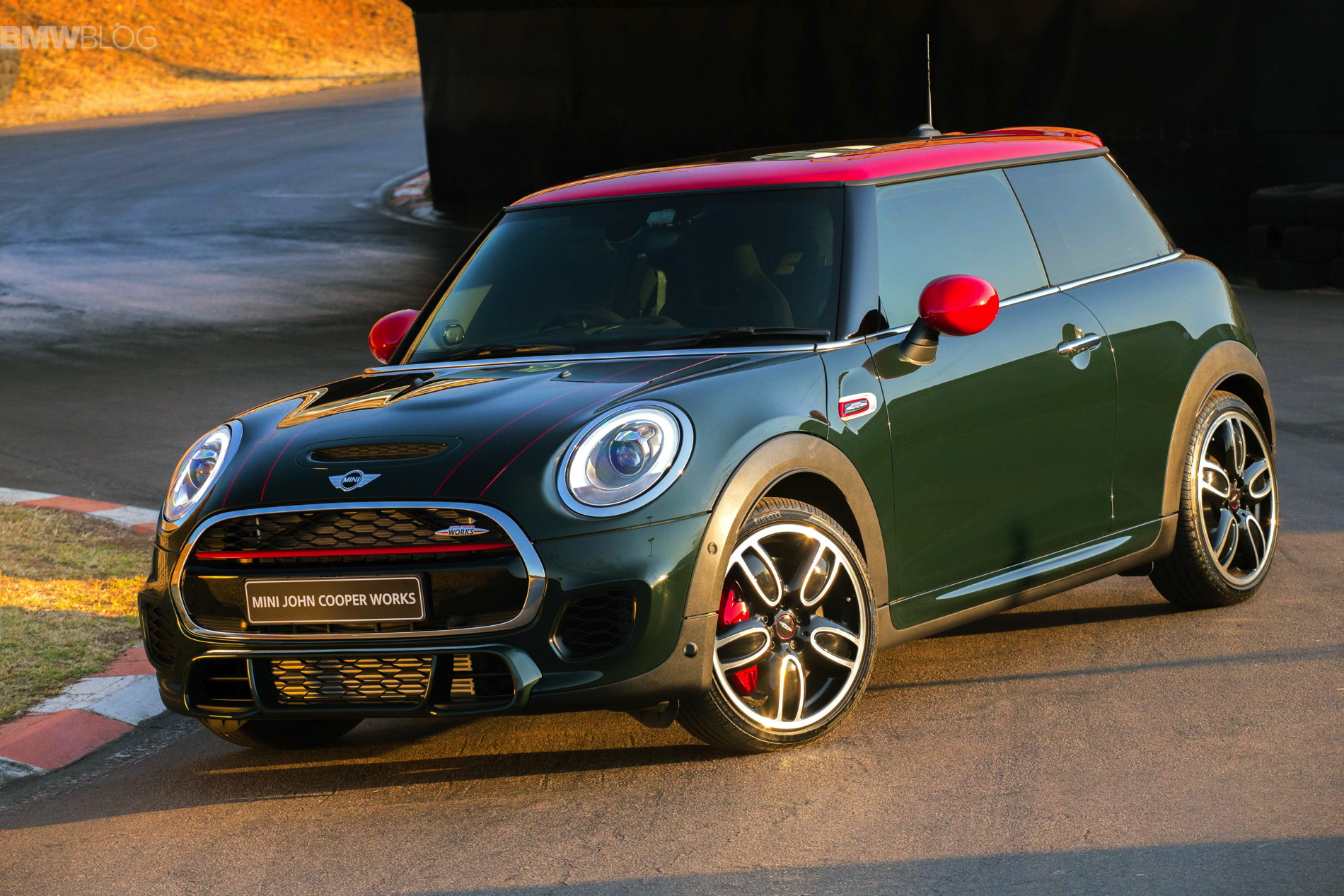 Video 2015 Mini Cooper S Jcw On Track