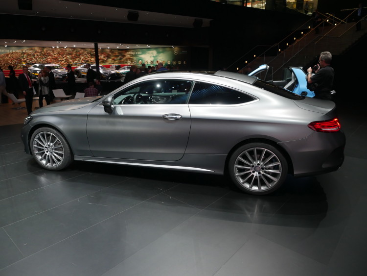 2016-Mercedes-Benz-C-Class-images-01