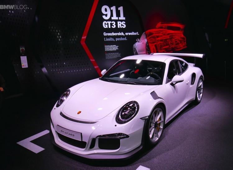 2016 Porsche 911 GT3 RS images 01 750x548