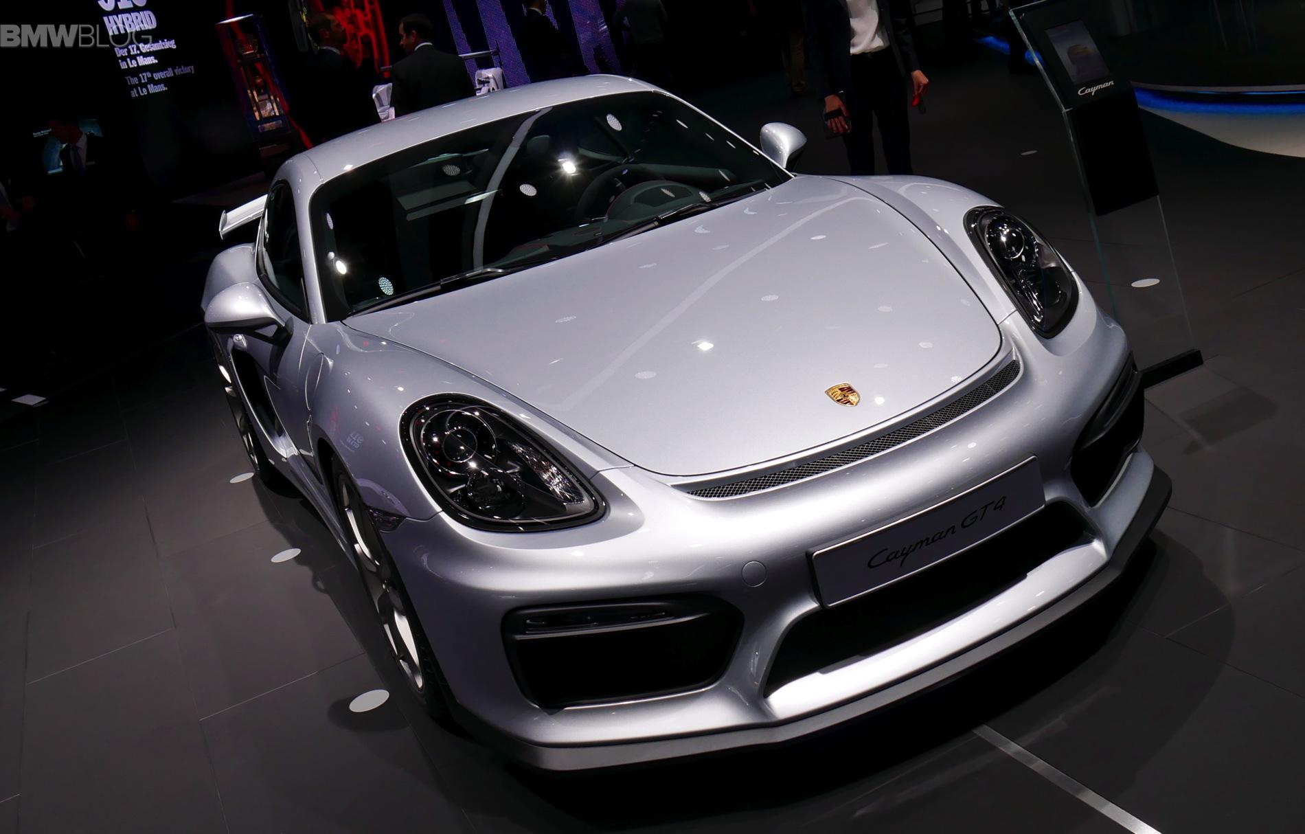 2016 Porsche Cayman GT4 images 01