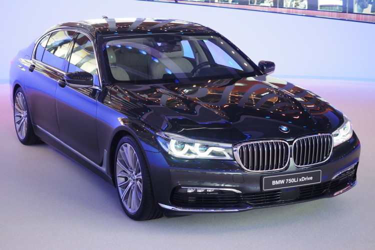 2016 bmw 7 series frankfurt images 05 750x500